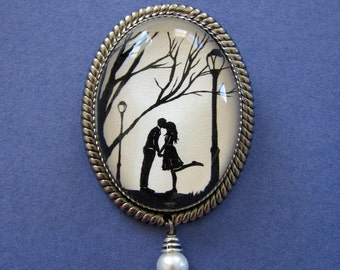 Sale 20% Off // AUTUMN KISS Brooch - Silhouette Jewelry // Coupon Code SALE20