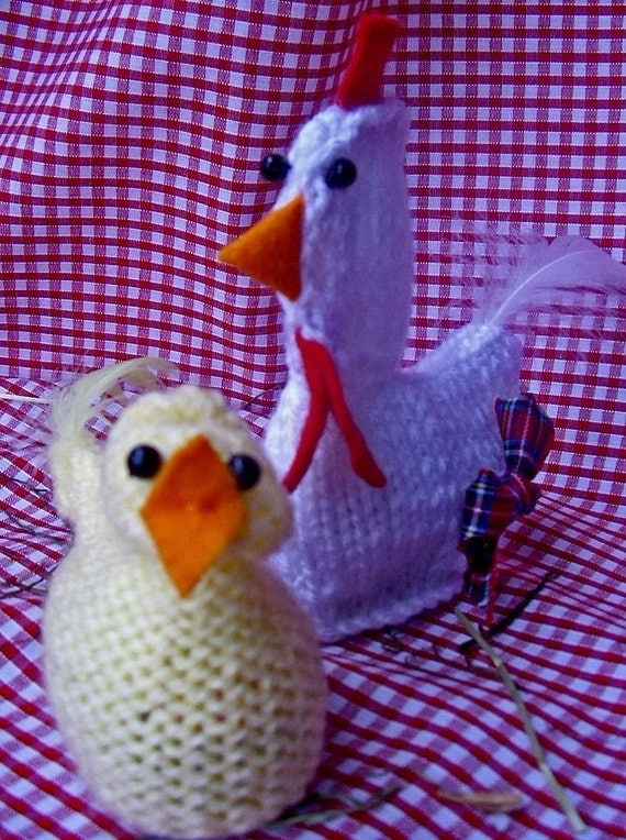 Knitted Chick Egg Cosy Pattern : KNITTING PATTERN easter CHICK HEN creme egg cover by crazydaisy60