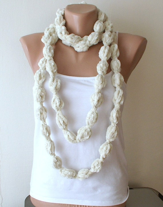 ON SALE  Cream Scarf, Ivory  Bubble Soft Scarf, Necklace, Lariat