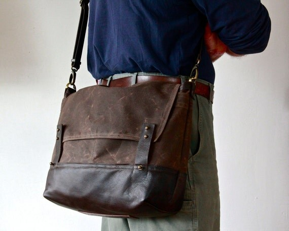 "1942 FIELD MESSENGER - 15"" laptop pocket - waxed canvas and leather messenger bag - ten pockets - unisex"
