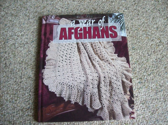 Leisure Arts, A Year of Afghans 1999, Hardback Book,Patterns,Supplies