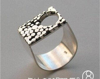 Sterling Ring with circular window and dot design