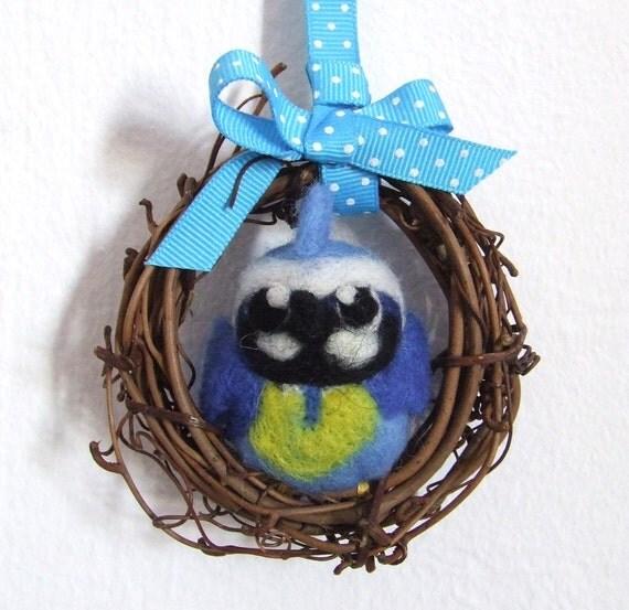 Needlefelted Bird Blue Tit Mini Wreath with Felt Bird