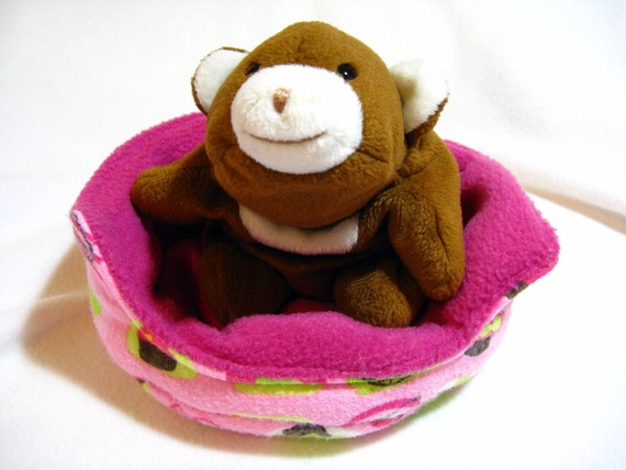 small animal pocket pet cuddle cup bed sofa yummy cupcakes