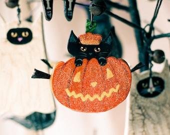 Pumpkin Cat Halloween Clay Folk Art Ornament