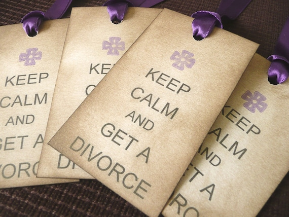 Keep Calm and Get A Divorce - Set of 4 Vintage Style Tags with purple ribbon - Anti Wedding Tags LOL