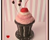 I Heart Pink Frosting Cupcake Pin Topper