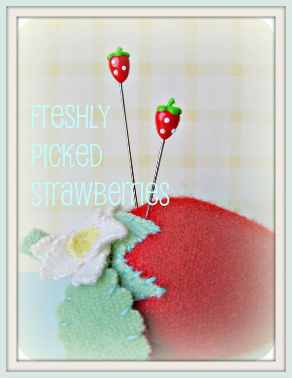 Freshly Picked Strawberries Pin Topper Set