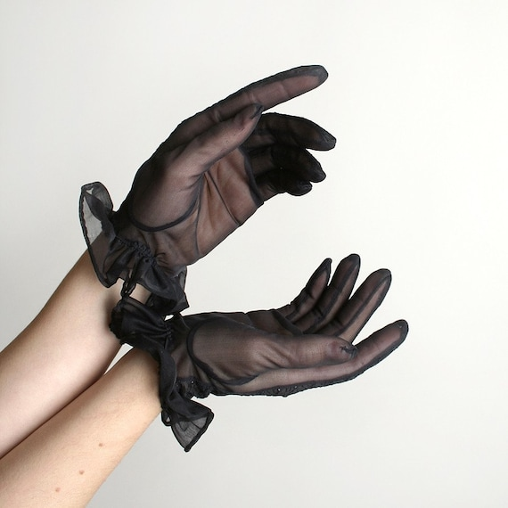 Black Vintage Sheer Swirled Stitch Ruffle Gloves