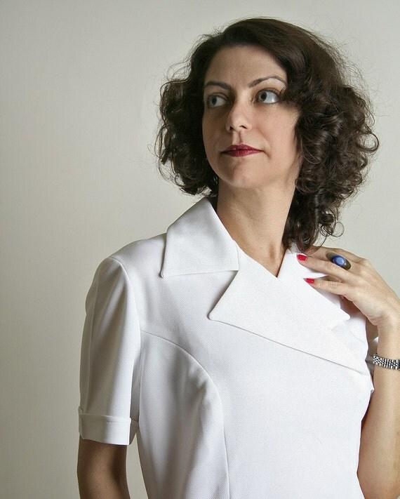 Vintage 1970s White Nurse Top The Doctor Is In -  Medium