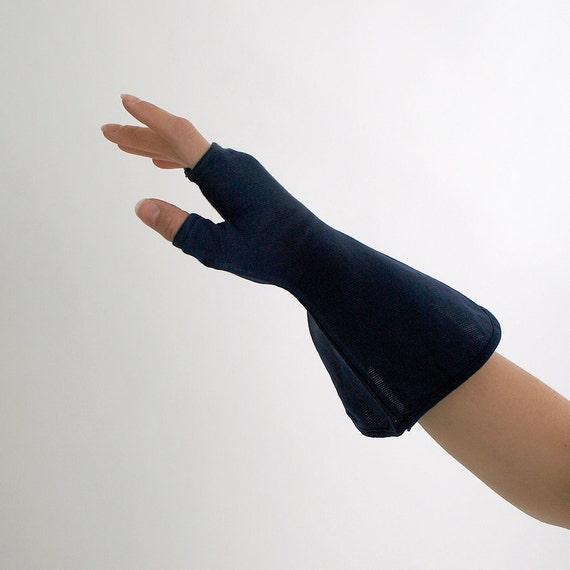 Vintage Gloves Steampunk Bizarre Pair of Fingerless Bell Shape Gloves