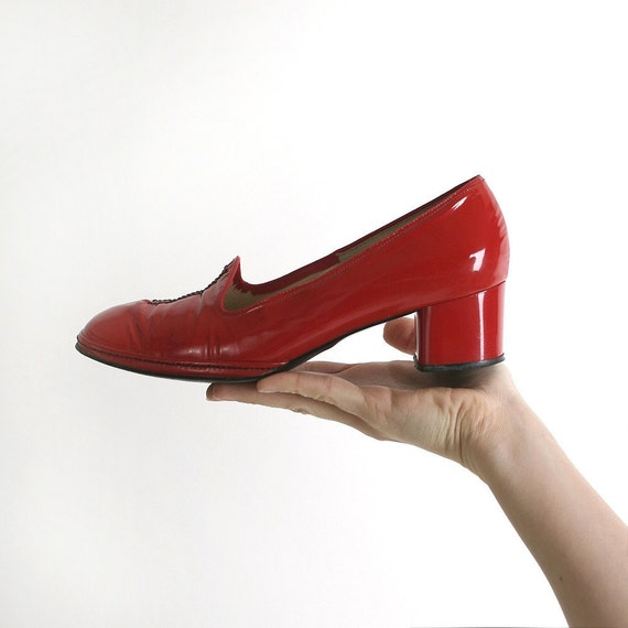 Vintage Ruby Red Heels Bright Lipstick Red Mod Naturalizer Shoes - Size US 7 1/2 7.5 Leather