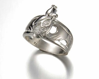 Silver Anatomical Claddagh Ring