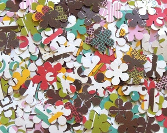 Punched Flowers - Running Through The Daisy Fields - Grab Bag of Flowers - Set of 100 - Fun and Funky Edition - Scrapbook Flowers