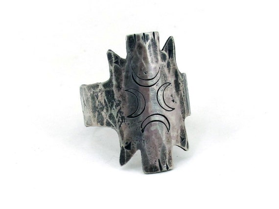 Crescent totem ring in sterling silver