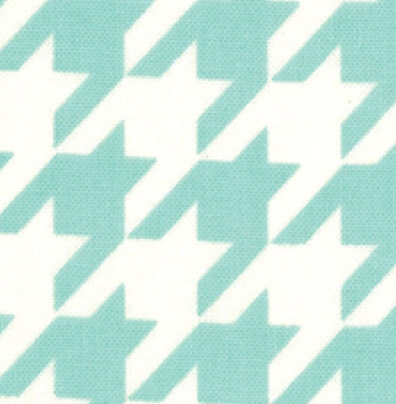 Vintage Modern by Bonnie and Camille fabric for Moda, Houndstooth in Sky Aqua-Fat Quarter