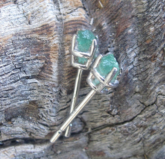 teeny rough Columbian emerald stud in eco sterling silver