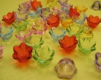 15 Piece Vintage  Lucite Flower Bead Mix
