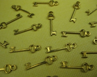 6 Vintage Brass Key Charms