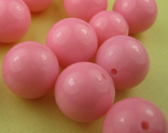 8 Vintage Pink Lucite Beads