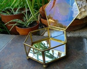 VINTAGE GLASS BOX...a larger sweet collection piece, etched swan lid