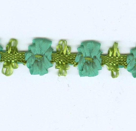 Green  Garland Ribbon Flower Trim 6 Yard Reel