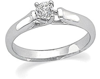 14 k white gold 1/4 ct engagement ring