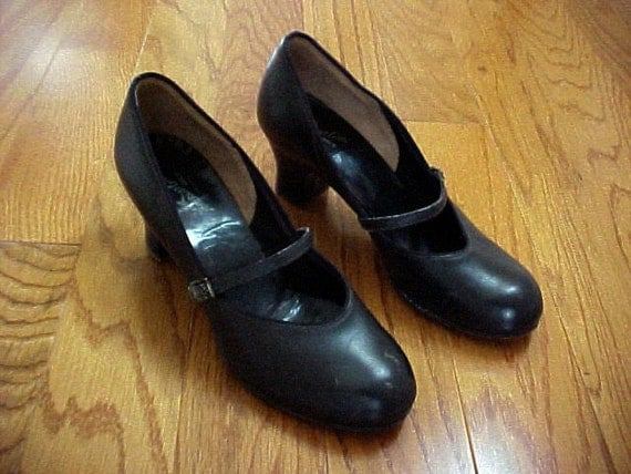 1940s Vintage Mary Janes Size 6 1/2 Leather Shoes