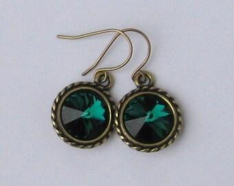 Emerald Green Rivoli Earrings / Swarovski Crystals / May Birthstone