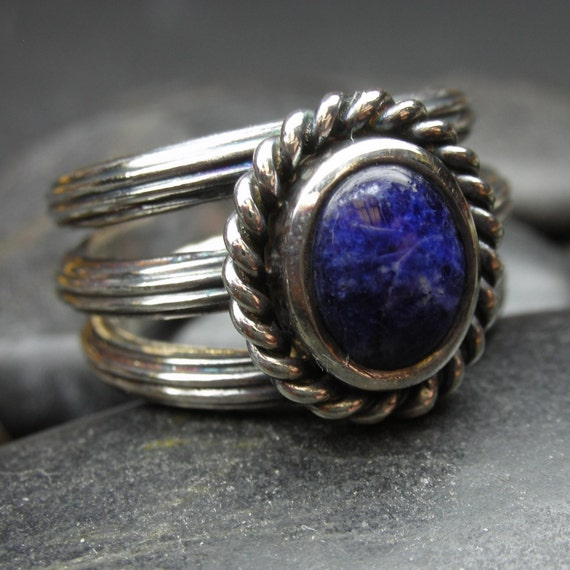 Blue sodalite ring in sterling silver with a Bohemian flair - Size 7