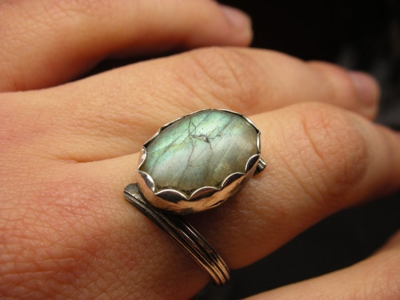 Rustic asymmetrical Labradorite ring in antiqued sterling silver - Size 7
