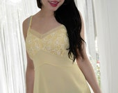 YELLOW Appliques Vintage 50s Full Slip 36 Beaunit  //  Vintage Lingerie from Empress Jade