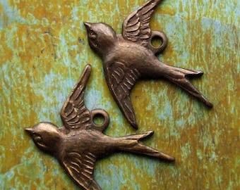Brass Bird Charms - 2 pcs - Antiqued Brass - Patina Queen