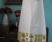 Summer Clearance sale vinyl applique apron with free matching pot mat