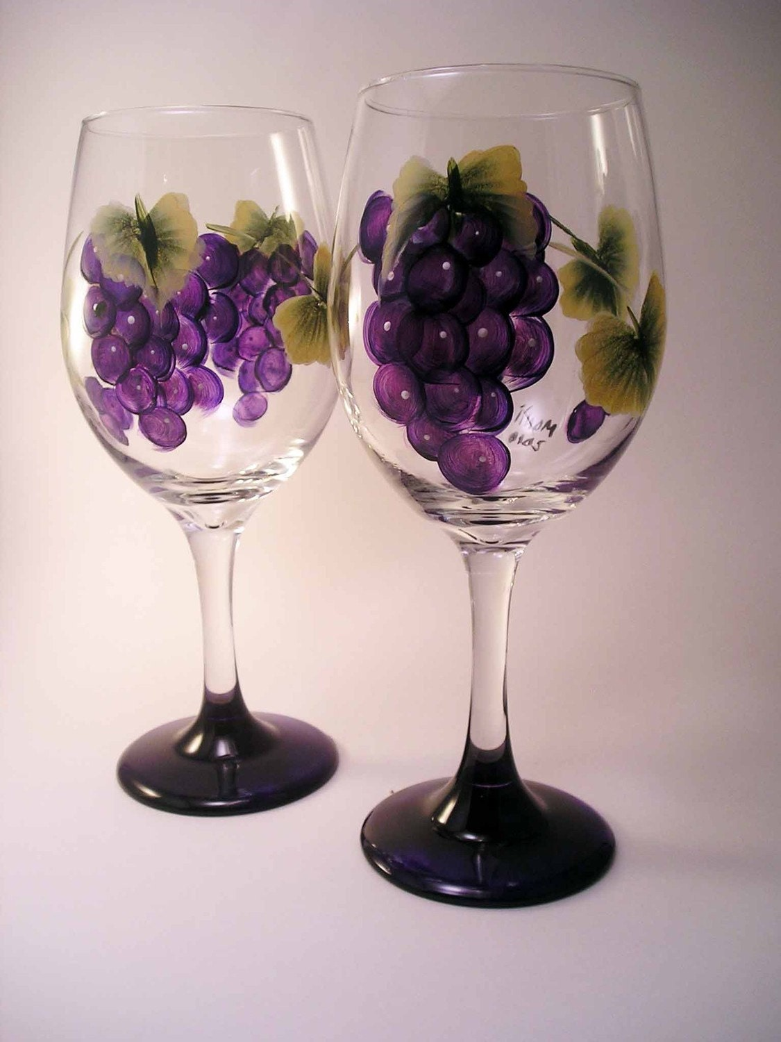 grapes wine glass painted. Black Bedroom Furniture Sets. Home Design Ideas