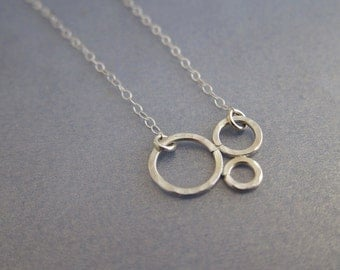 Three Circles Bubbles Three Love Sisters Gold Necklace Mother Children Friendship, bridesmaid gifts, hammered pendant