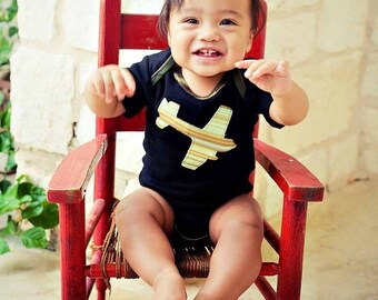 BLACK RINGER short sleeve CAMO Bodysuit.......Fighter Jey applique-short sleeve   ..... Cute baby gift