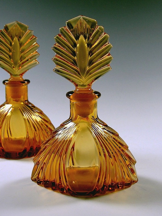 Vintage 1920s Pair Art Deco Perfume Bottles New Martinsville