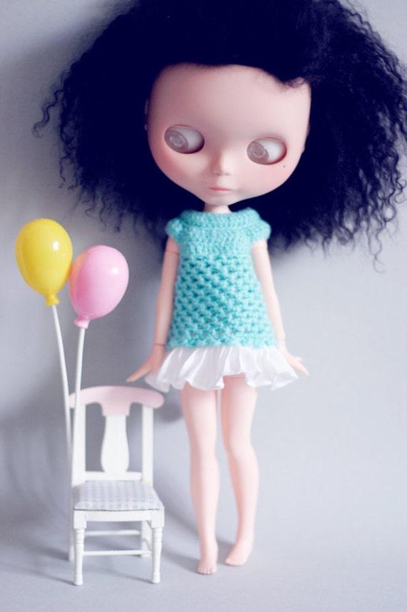 Blue Crochet dress with white ruffles for Blythe dolls