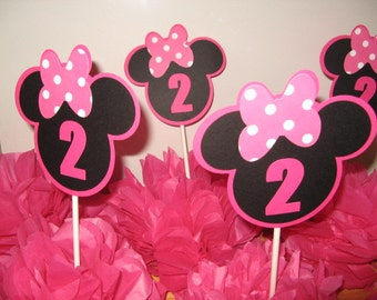 Minnie Mouse table decoration 6 in this listing