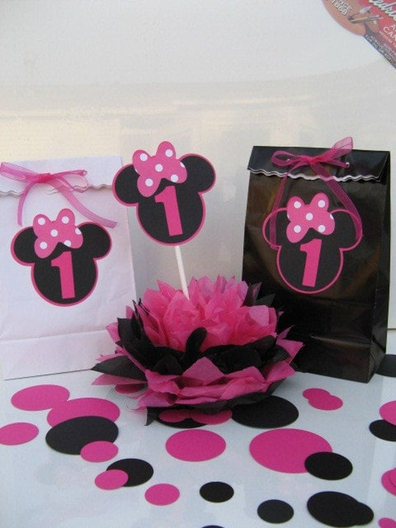 MINNIE Mouse favor bags pink or black One Dozen may order more or less