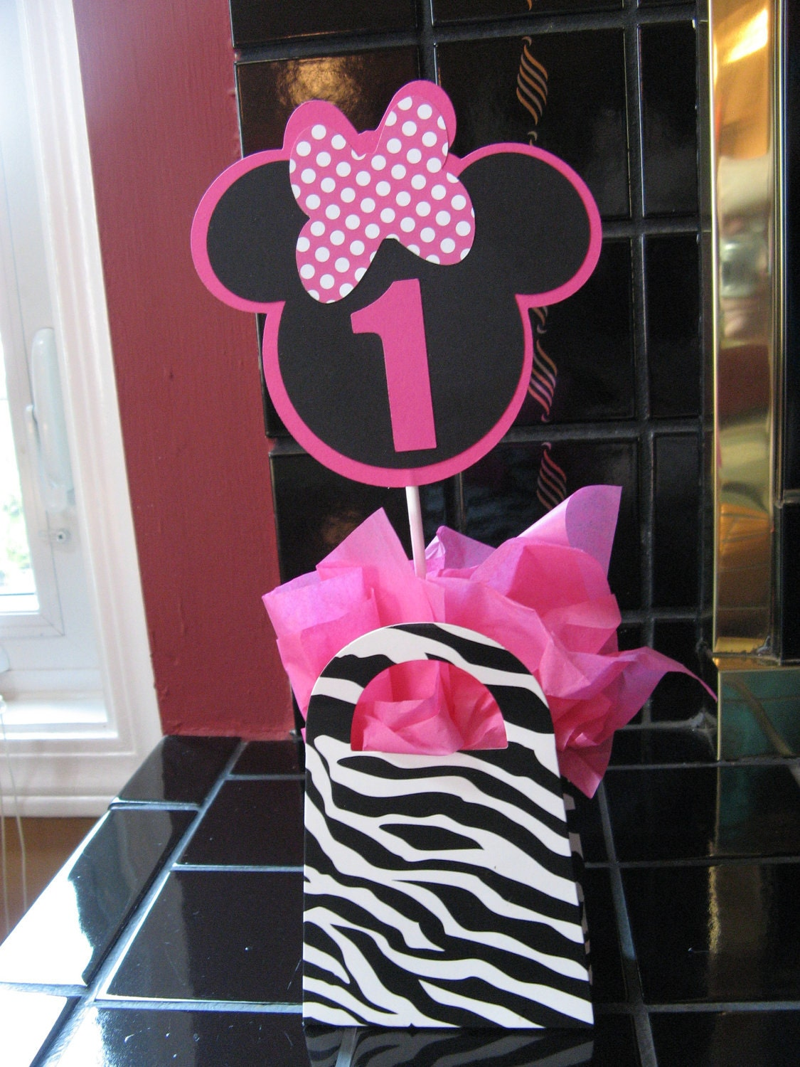 Zebra and minnie mouse table decoration by missdaisyw on etsy for Decoration zebre