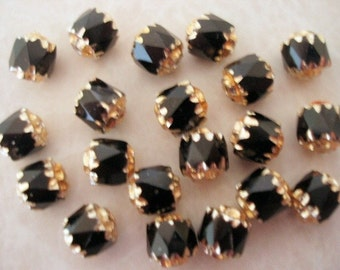 20 pcs. Czech Glass Jet Cathedral Beads with Gold Detailing BDBC023