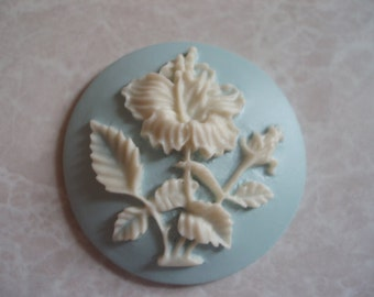33mm Round Acrylic Flower Cabochon Cameo