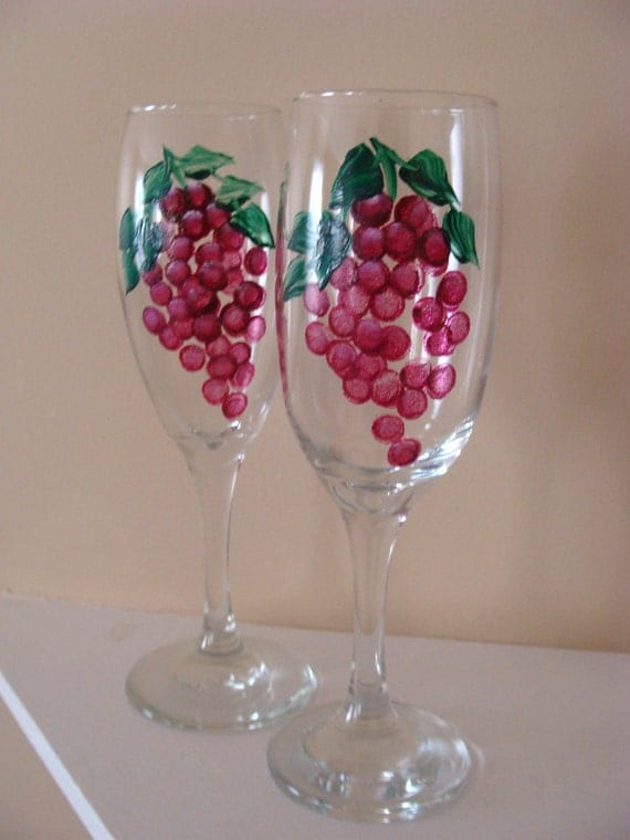 Red Grapes Champagne Flutes, wedding glasses, vineyard, tuscany, Italy, anniversary gift, Hand Painted
