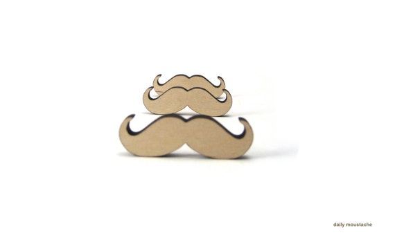 Moustache lapel pin (WOOD)