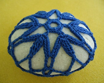 Blue Star - Beach Stone Covered with Thread Crochet Lace, Paperweight, Home Decor