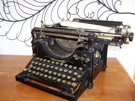 Typewriter 1917 Underwood