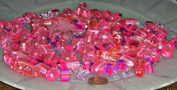 Assorted Vintage Pink Lucite Plastic Beads (B109)
