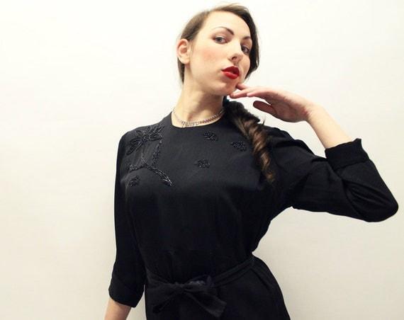 SALE - 40s Black Dress - Rayon with Floral Beadwork - LRG